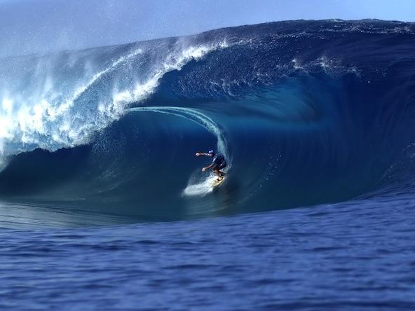 Surfer-Under-Wave